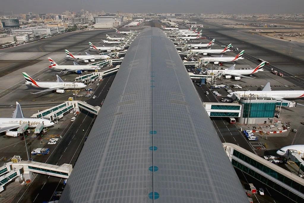 Dubai International Airport to Close 1 of Its 2 Runways