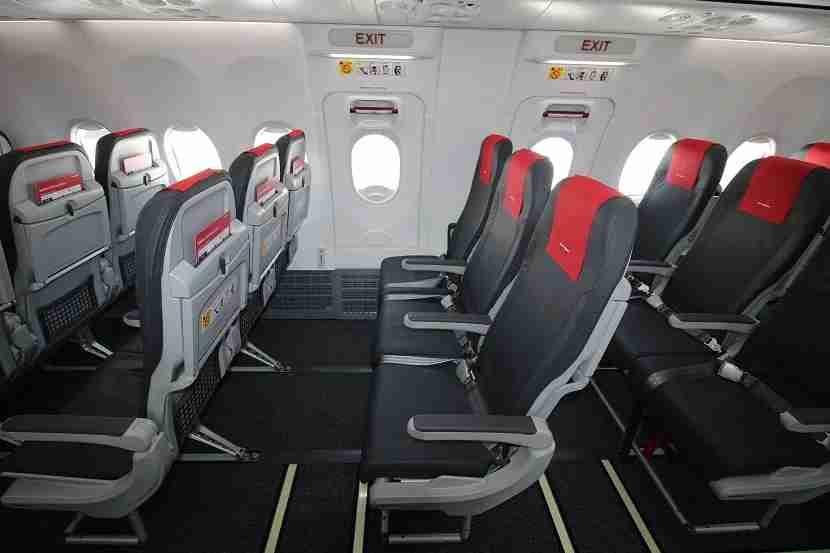 IMG Norwegian Air Boeing 737 MAX 8 exit row 2