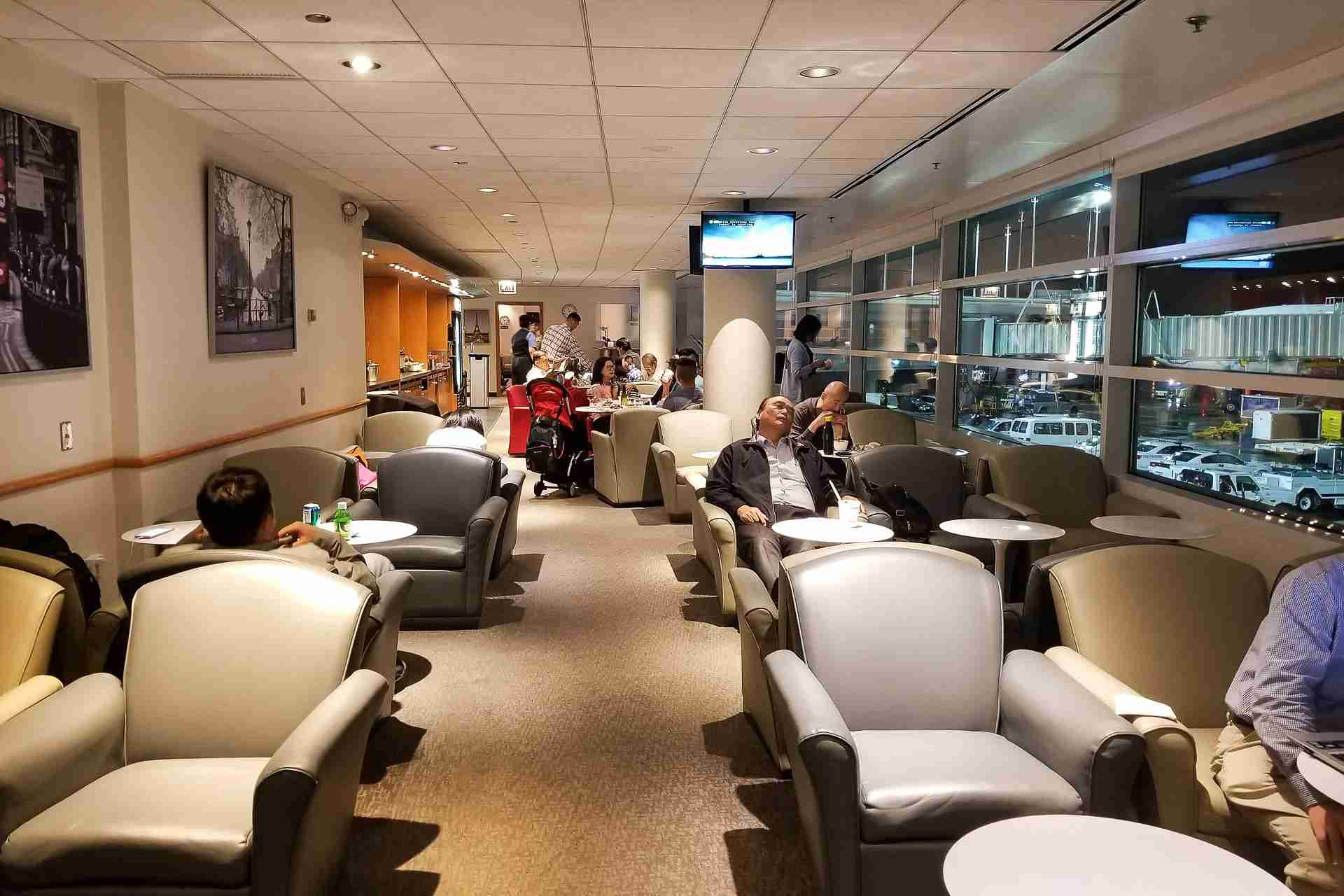 The KLM/Air France lounge isn