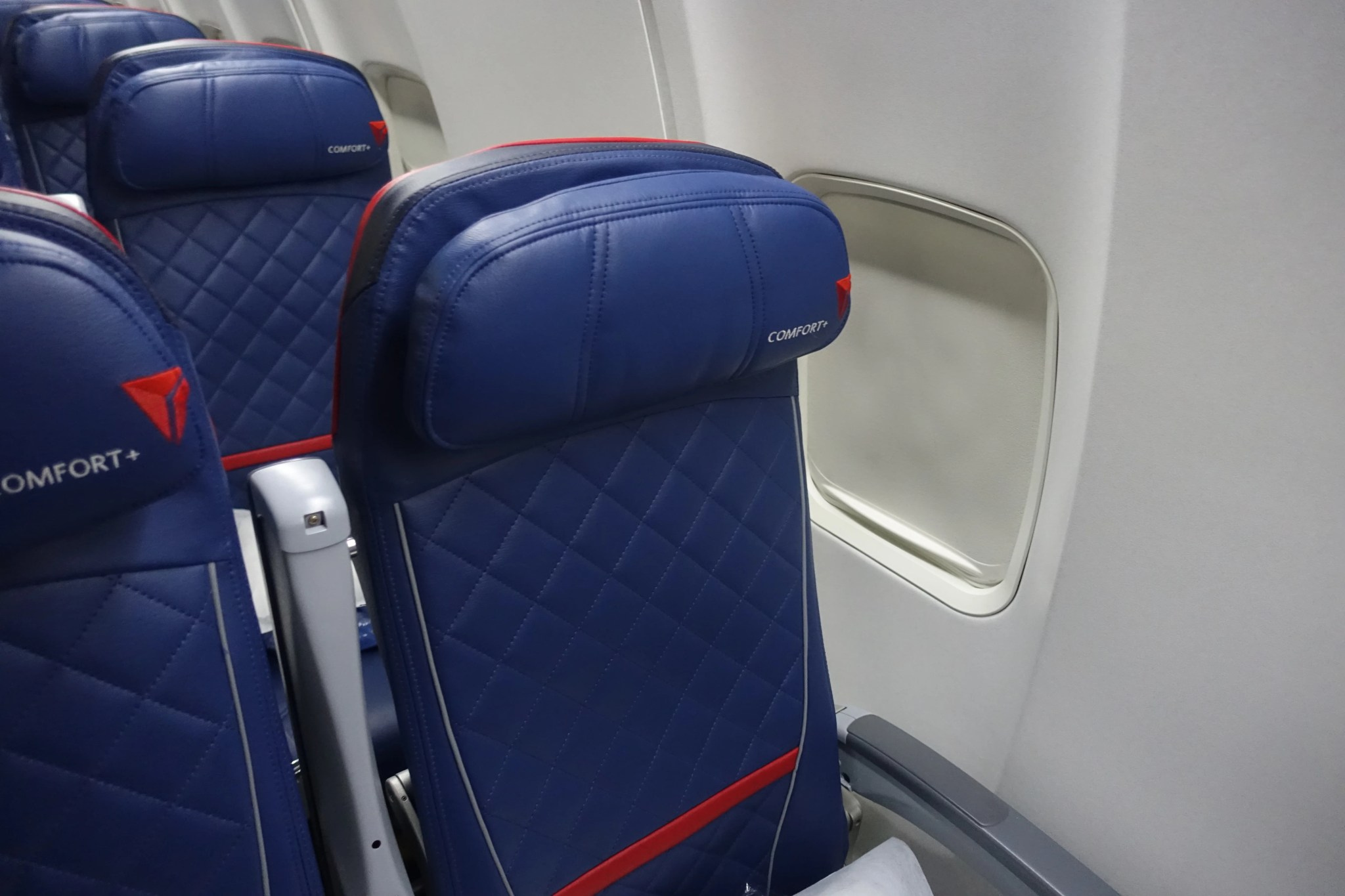 Review delta comfort 757 200 san francisco to new york for What is the difference between delta comfort and main cabin