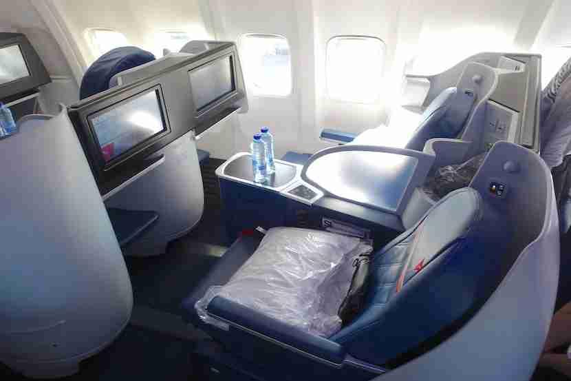 Delta 757 seats side 1
