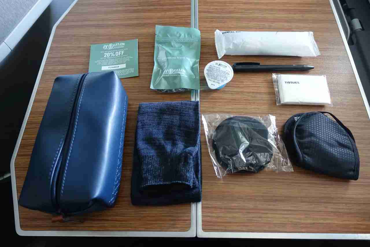 IMG-aa-biz-amenity-kit-contents
