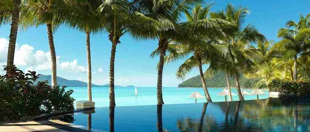 beach club hamilton island