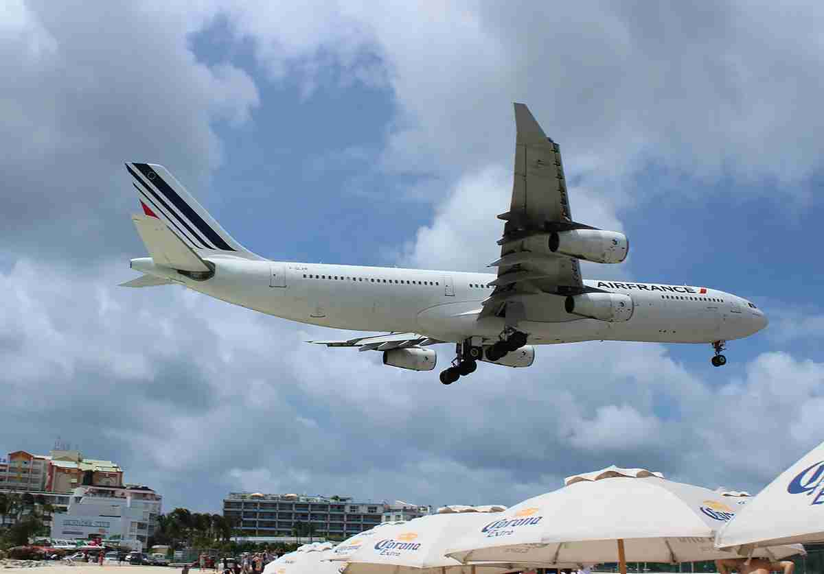 With the Jumbo Jet out of the picture, this Air France Airbus A340 is the biggest thing landing into SXM by far.