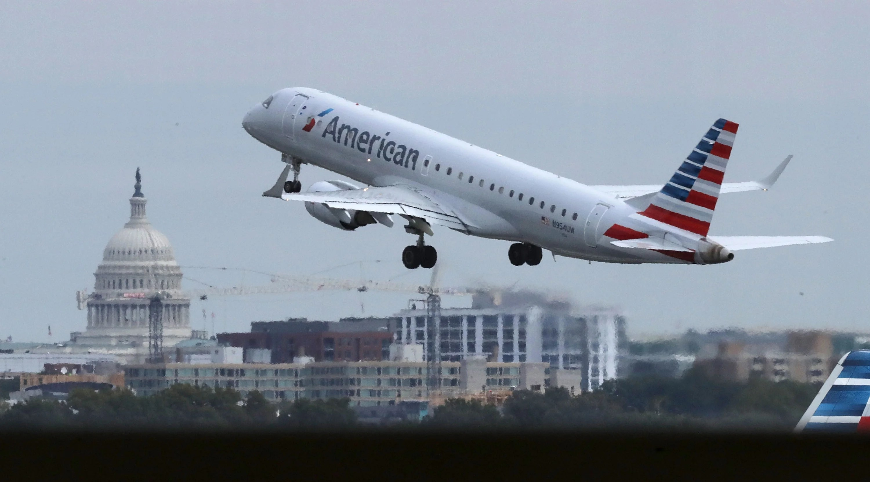 Airlines hit as Trump blocks additional coronavirus relief until after election