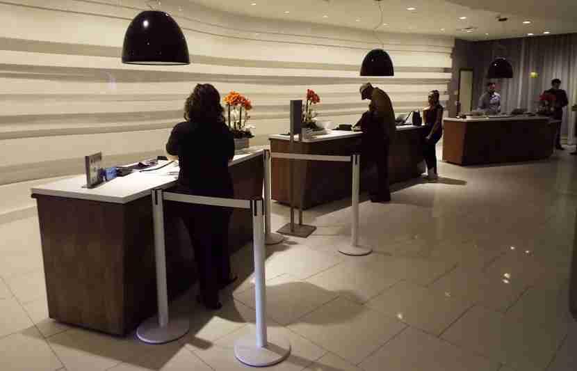Hyatt-LAX-lobby1