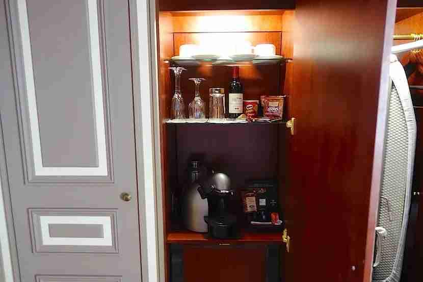 Intercontinental Bordeaux coffee minibar