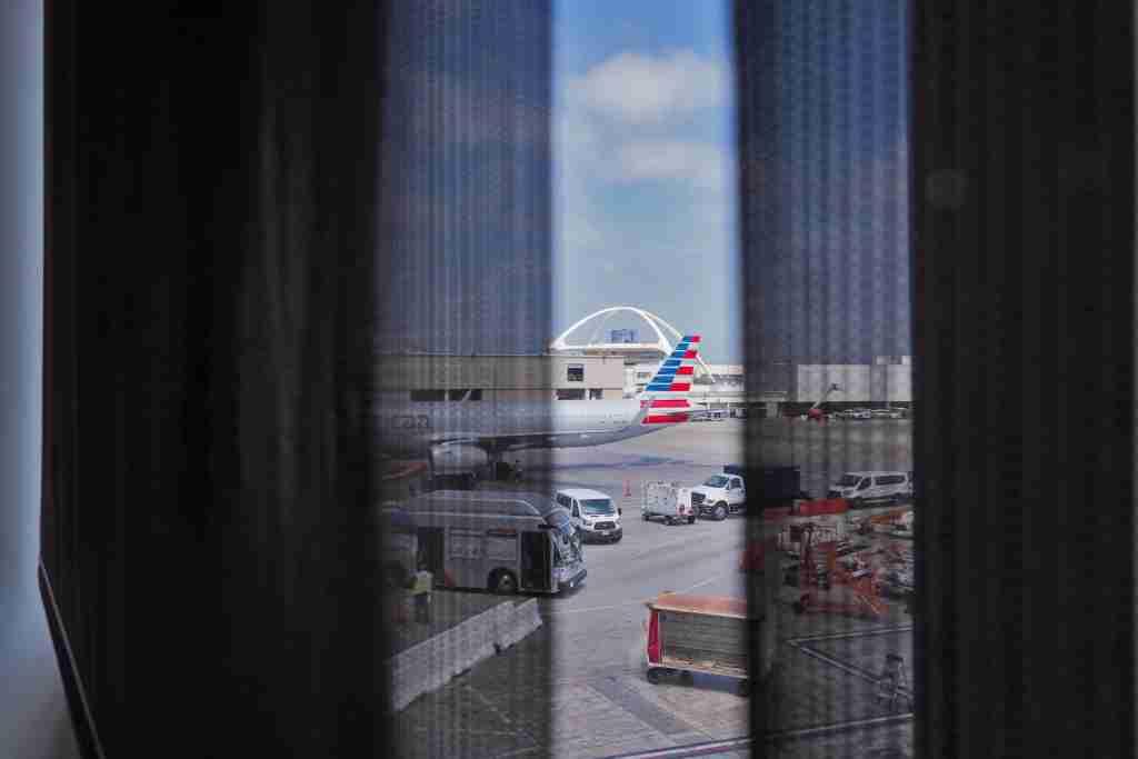 LAX Admirals Club Terminal 5 Review