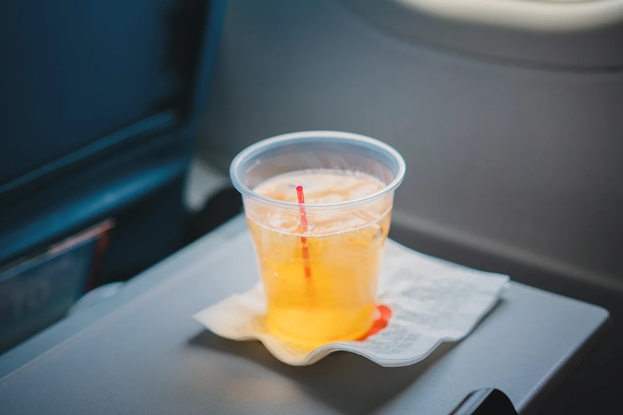 Is It Illegal To Drink Your Own Alcohol On An Airplane