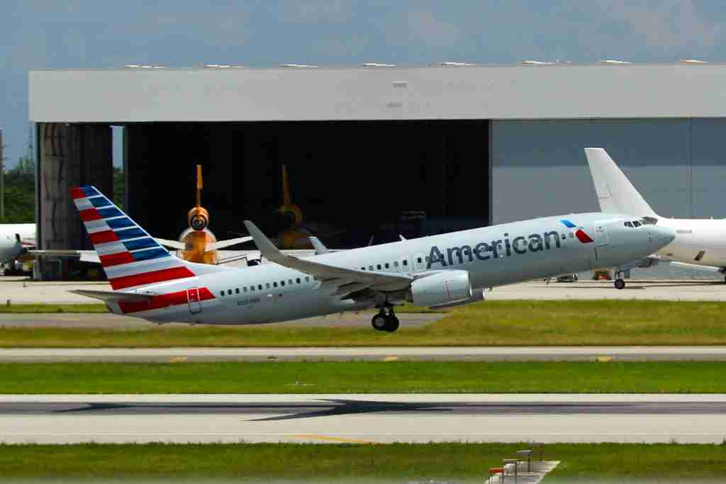 The first moments of flight for an American 737