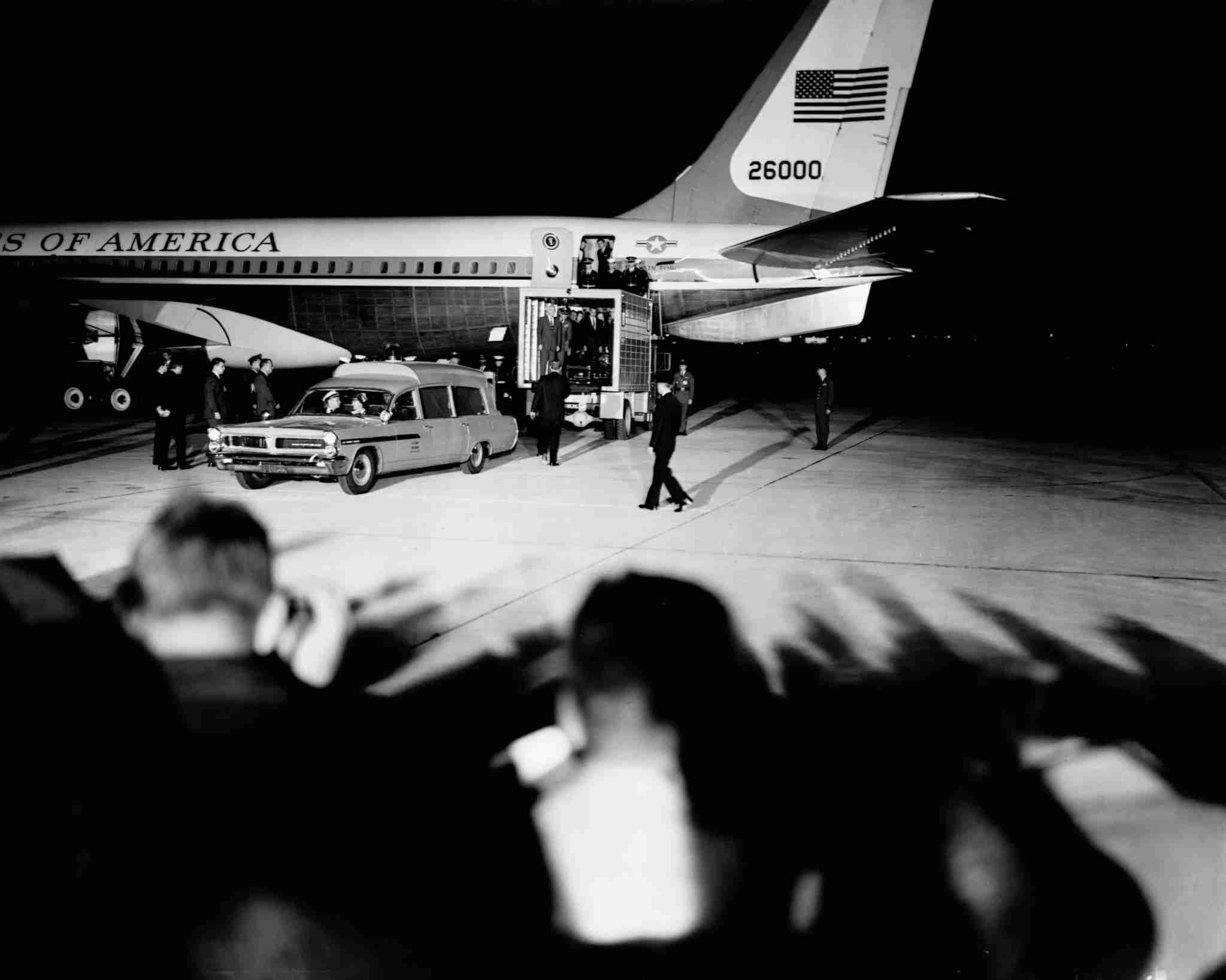 Air Force One arrives in Washington D.C. carrying the body of assasinated president John F. Kennedy from Dallas. November 22, 1963. (Photo by © CORBIS/Corbis via Getty Images)