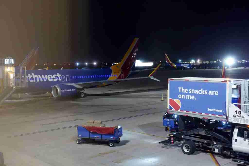 IMG-Southwest-737-max8-3