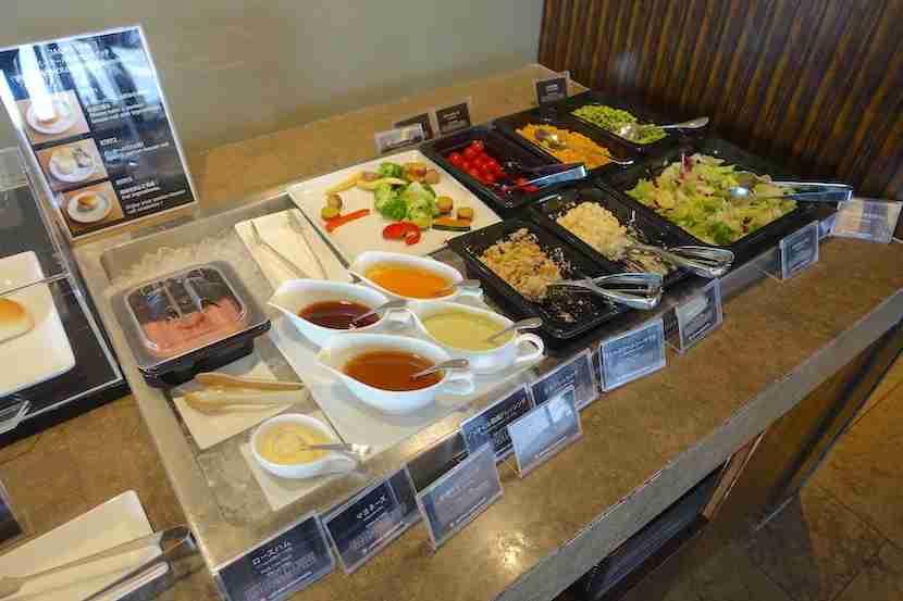 JAL lounge salad