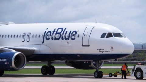 10 Tips For Flying JetBlue With Kids