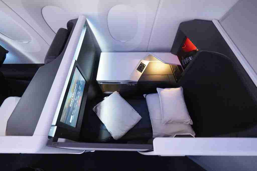 Delta A350 Tour Delta One Suite Premium Select