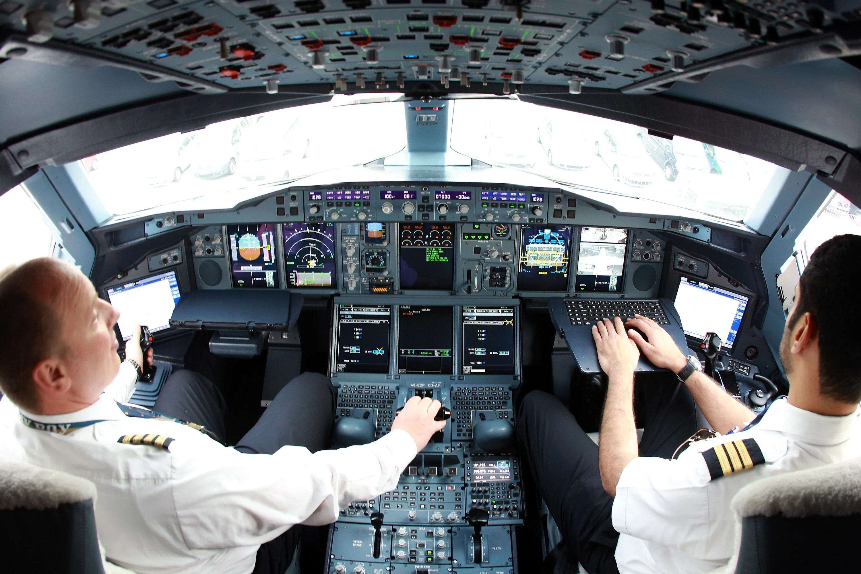 How Much Do Pilots Make Regional And International Airline Salaries