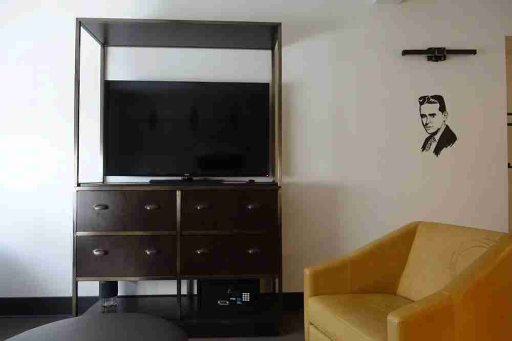 Suite TV and chair