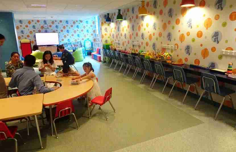 Toy-Story-Hotel-kids-room