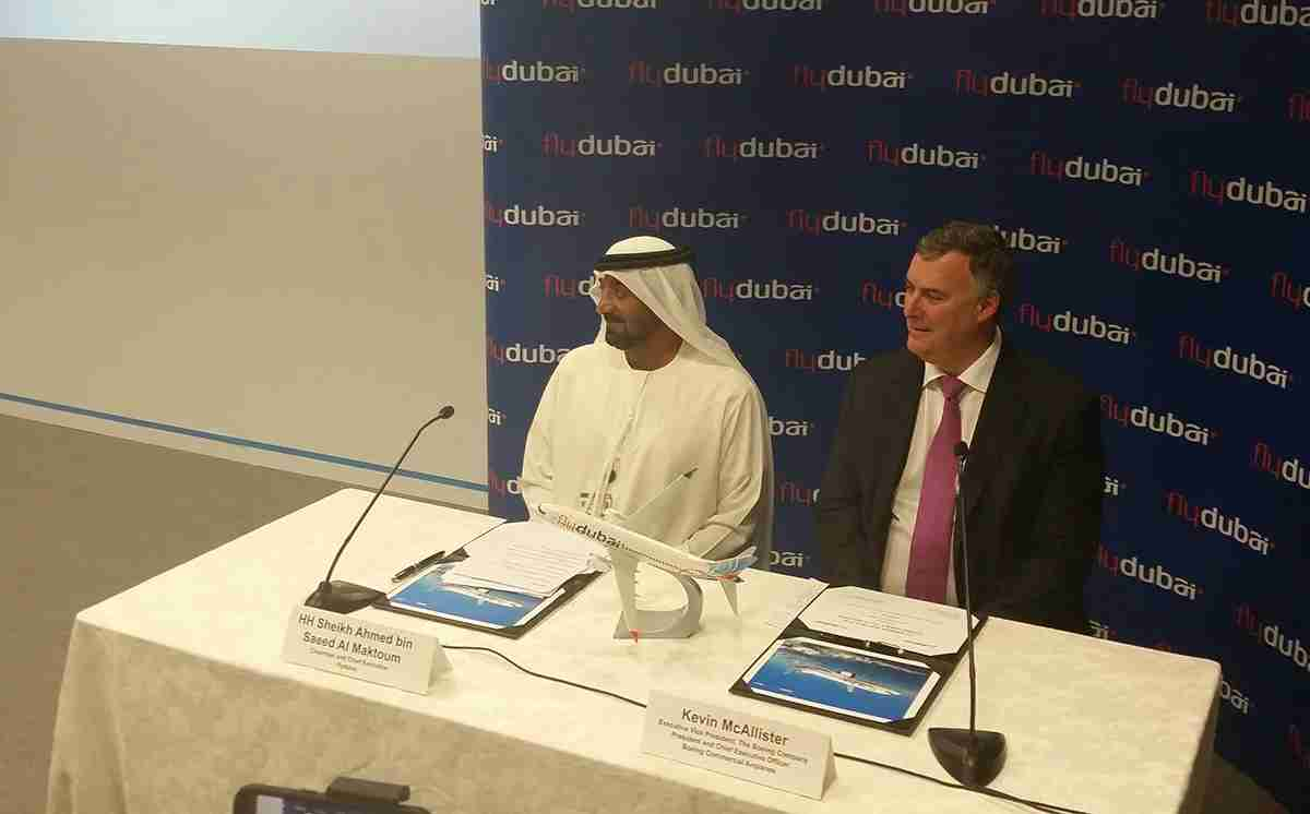 Sheikh Ahmed al Maktoum and Kevin McAllister at the press conference announcing FlyDubai