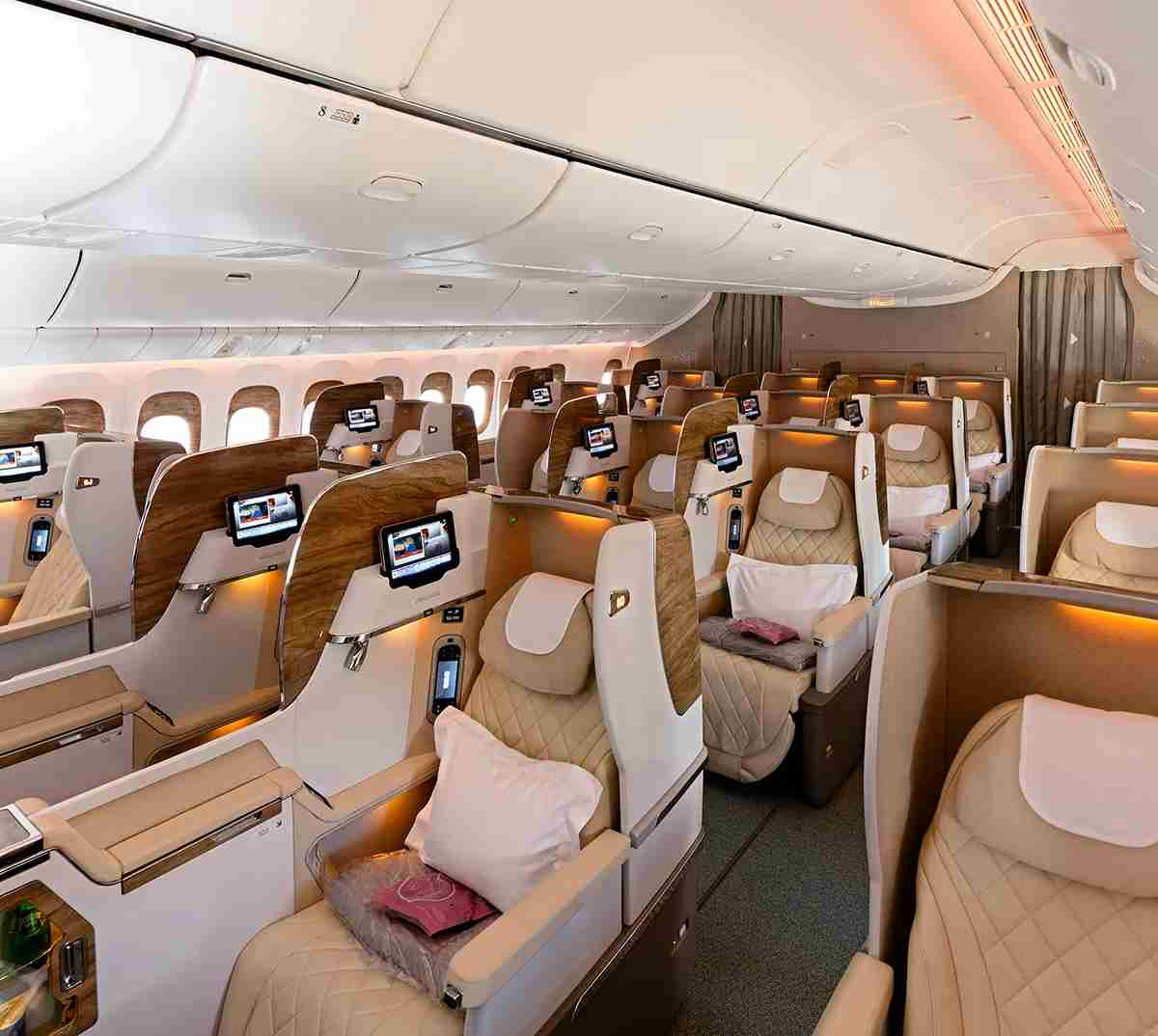 The new business class - same layout as the old one, but new colors (Image courtesy of Emirates)