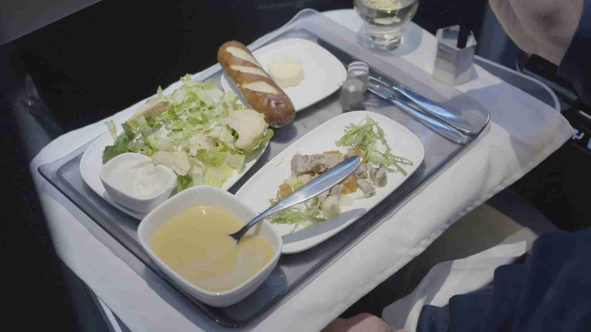 Delta One meal between Detroit and Tokyo
