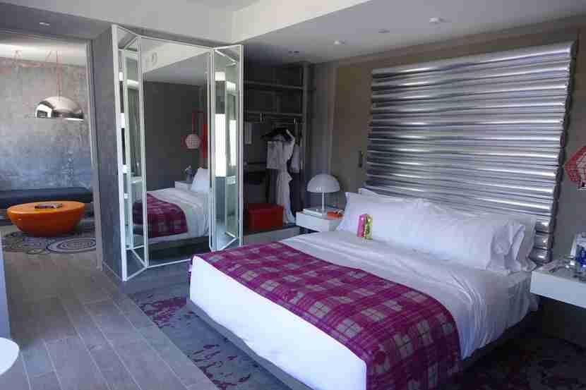 Fantastic-Suite-Bedroom