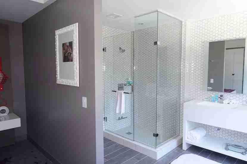 Fantastic-suite-bedroom-shower