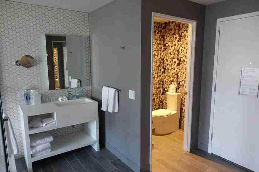 Spec-king-bathroom