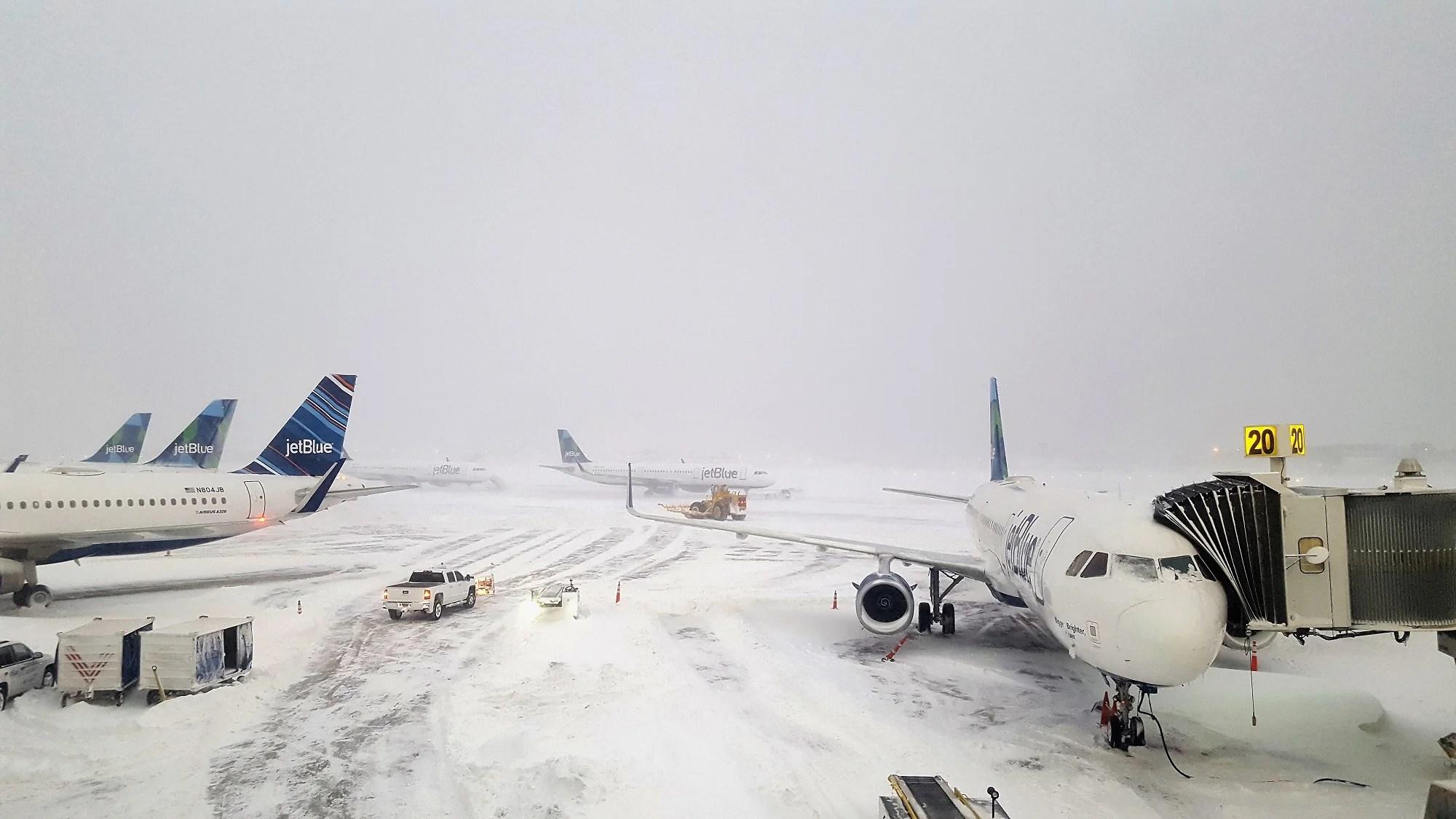 Resultado de imagen para winter storm avery airports