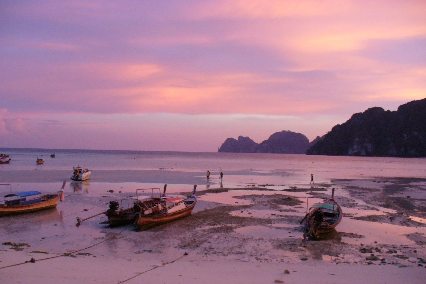The famous sunsets of Koh Phi Phi, Thailand