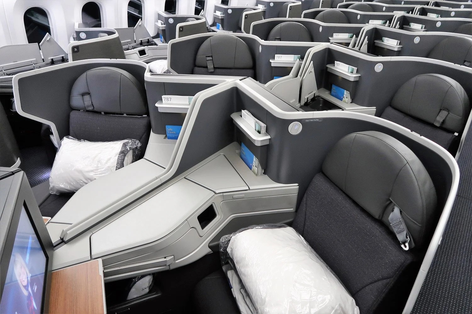 How Can I Tell When Airlines Have Available Upgrade Space?