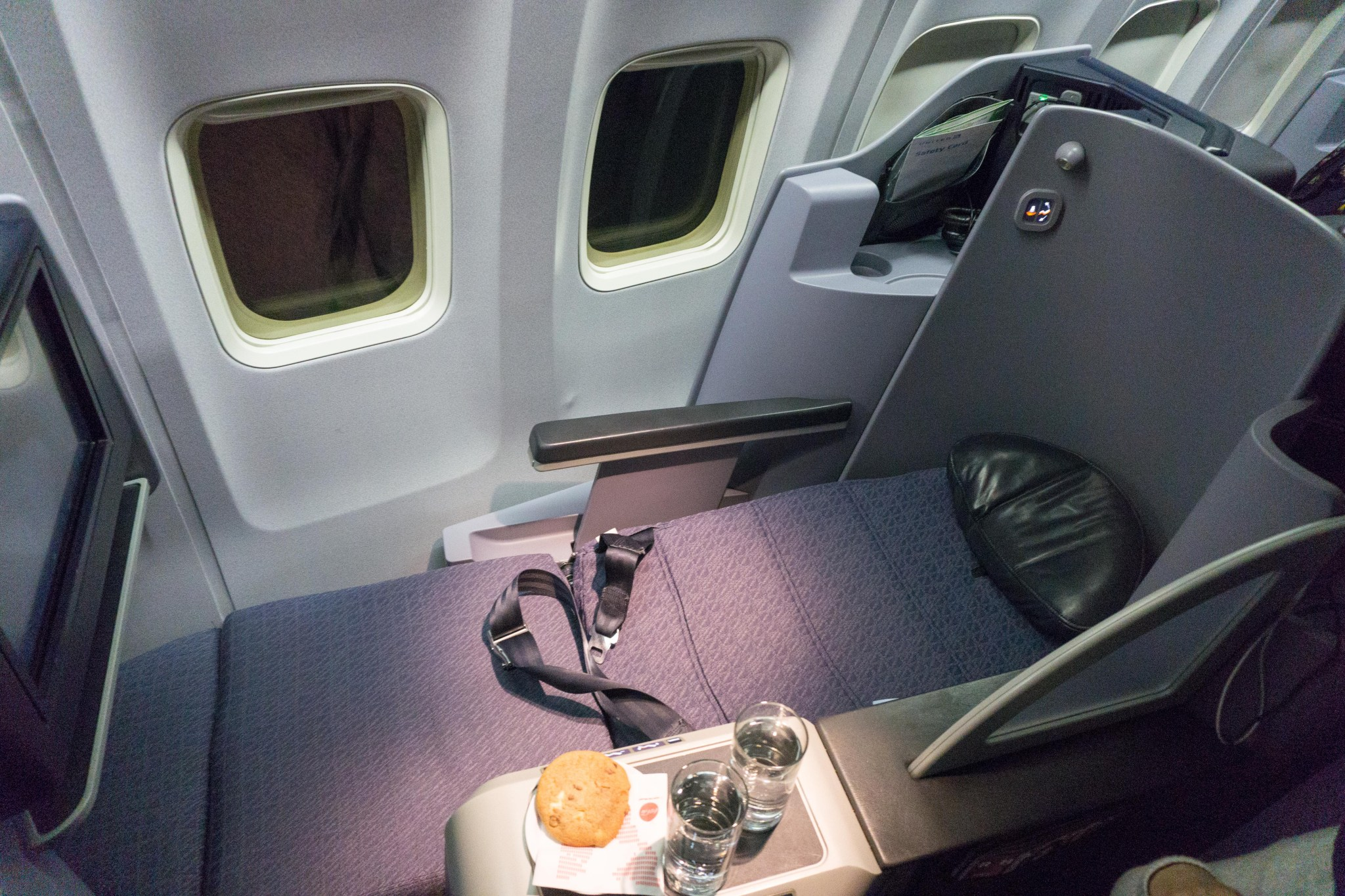 Review: United (757-200) First Class From Newark to Seattle