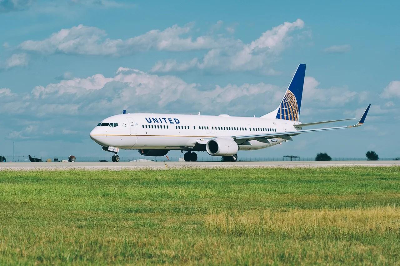 United Orders 19 Boeing 737-700s