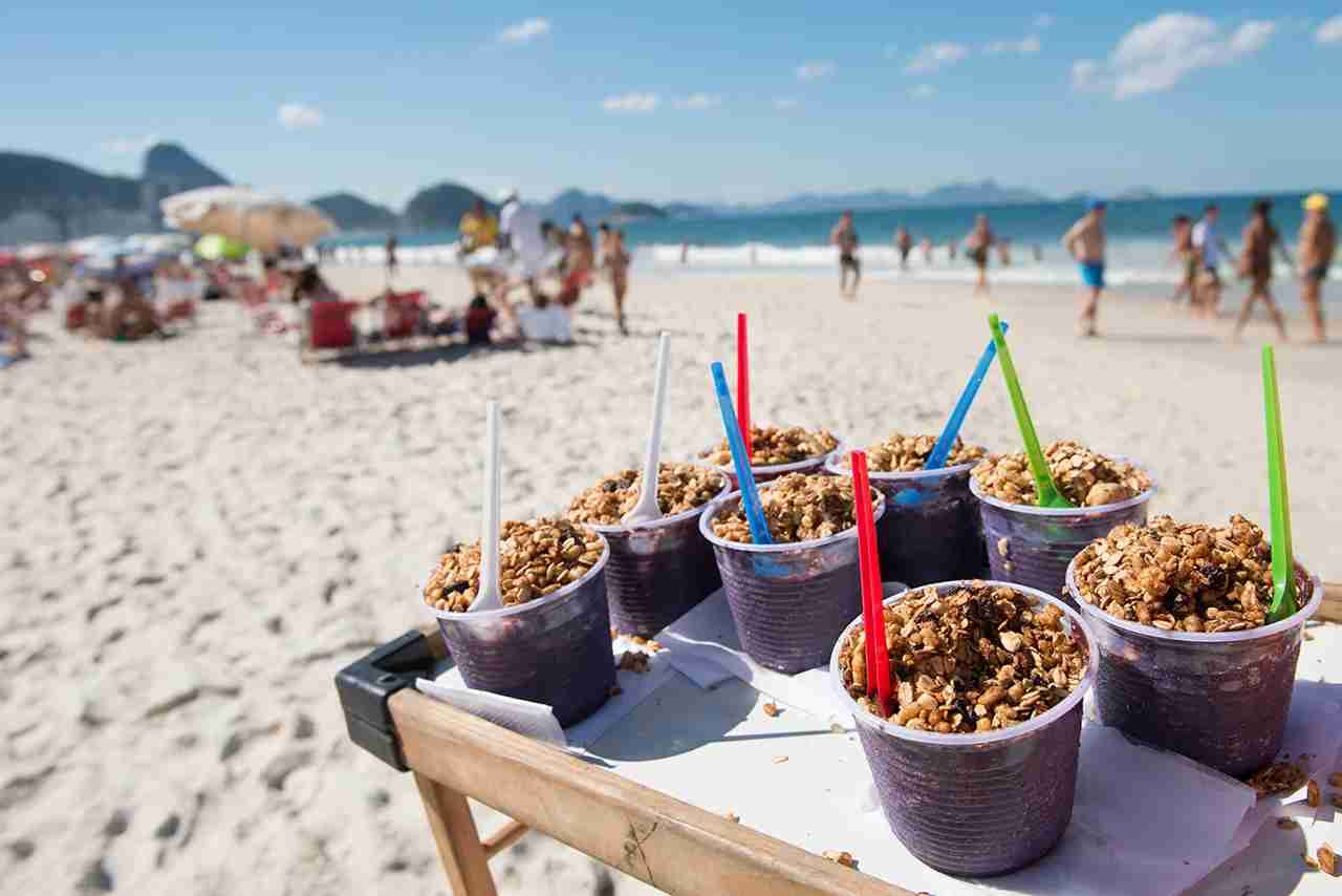 In different points of Copacabana beach and other beaches of Rio de Janeiro you can find the Organic Açai Bowl to refresh