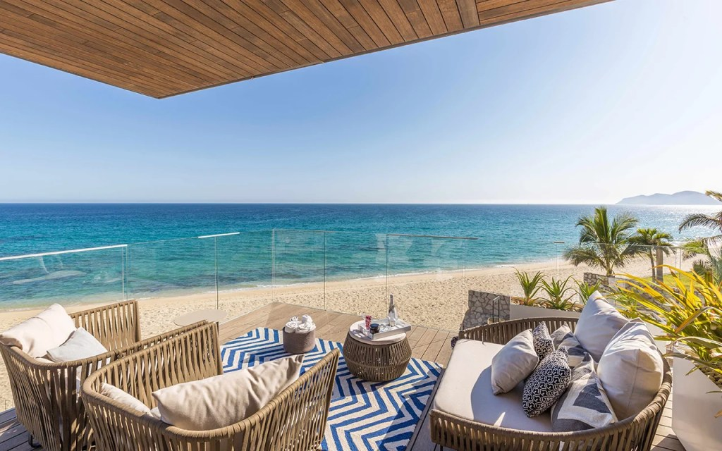 8c4c0380ccee 10 Los Cabos Resorts That Are Perfect for Families