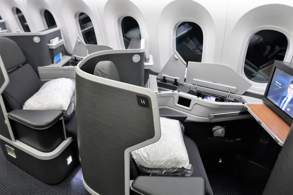 Fly Lie Flat Biz To Cancun Or Anchorage On Aa Dreamliners