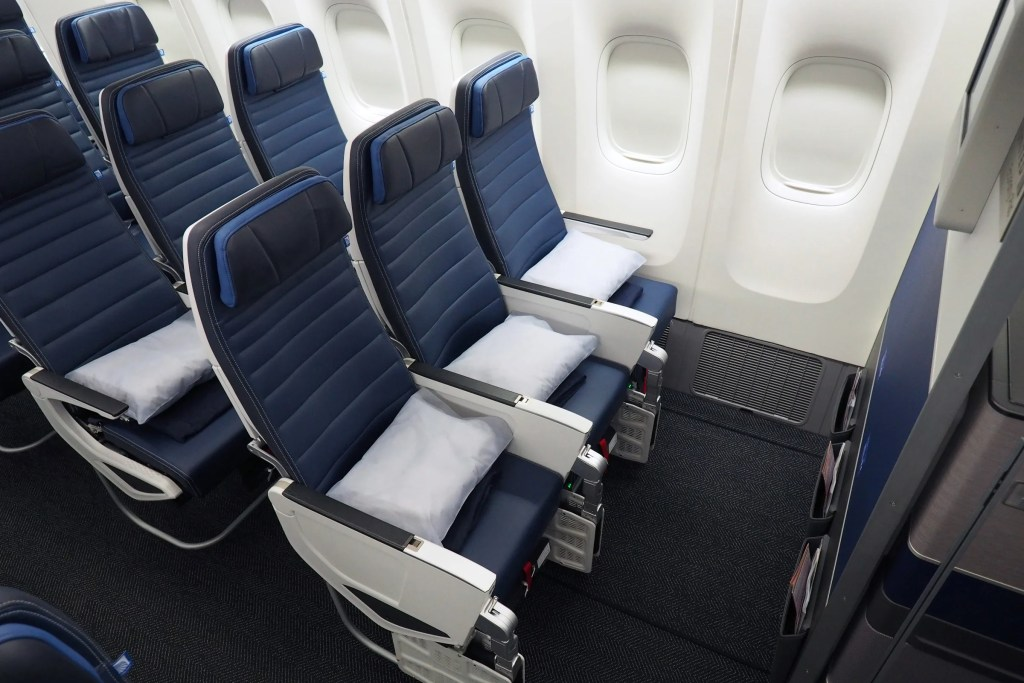 Where To Sit On United S New 777 200 Economy And Economy Plus