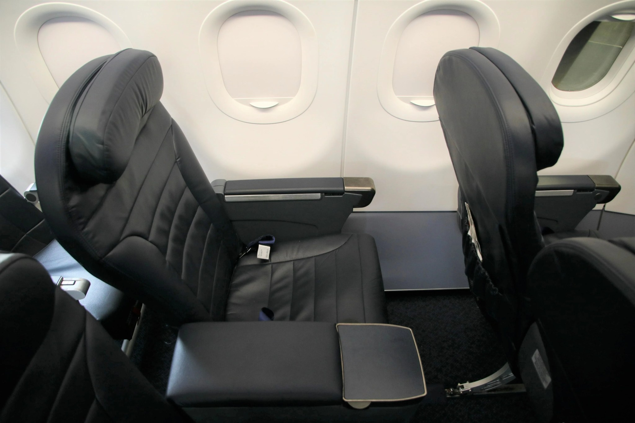 Review Spirit Airlines A321 Big Front Seat Ord Oak