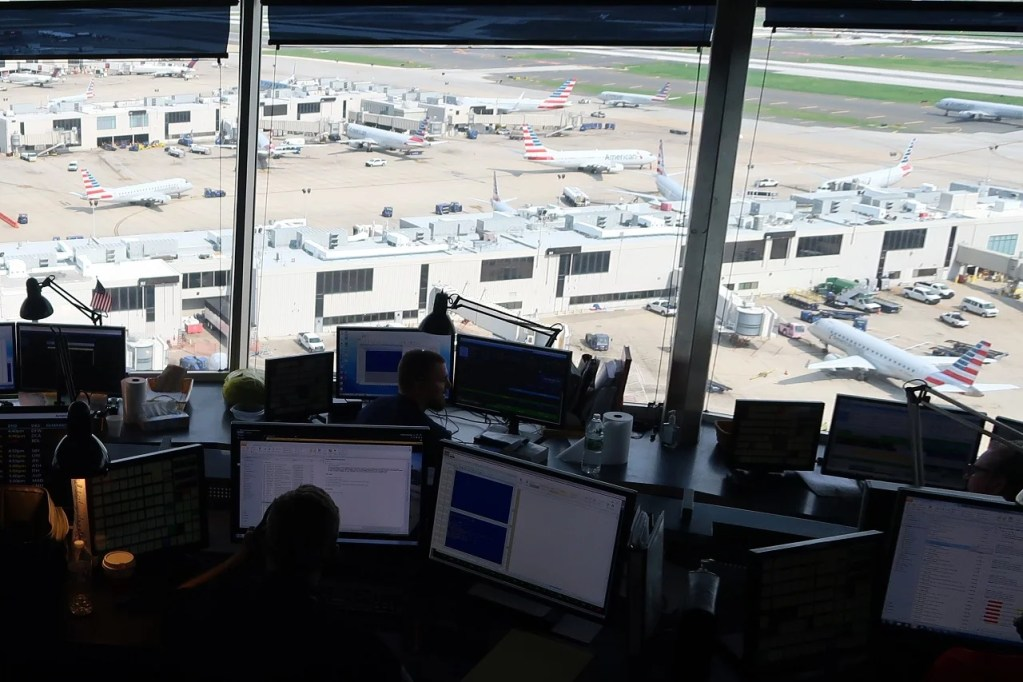 A Tour Of American Airlines Philadelphia Hub Control Center