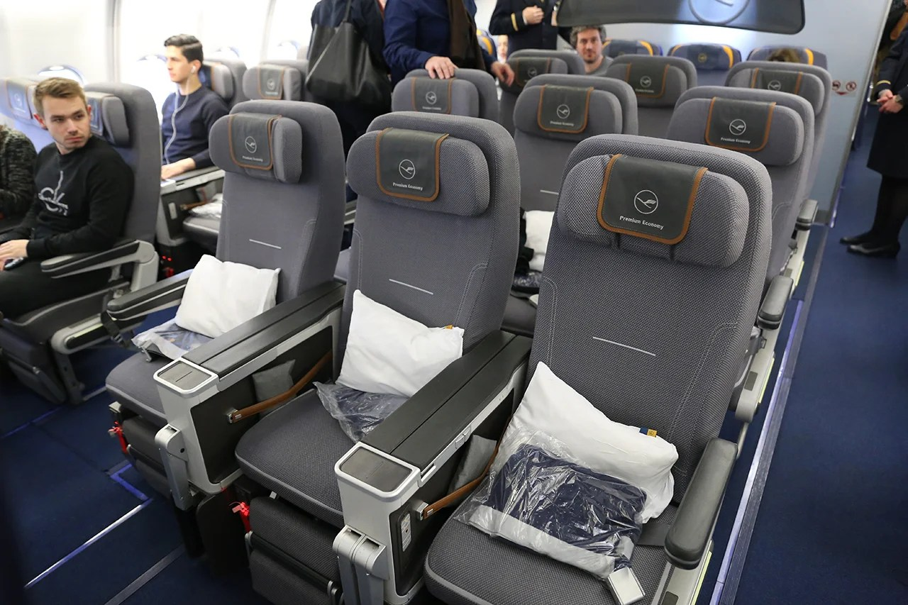 Admirable Great Seat Low Fare Lufthansa Premium Economy On The A330 Gmtry Best Dining Table And Chair Ideas Images Gmtryco