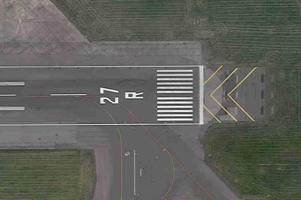 Runway 27R at LHR. Image via Google Maps.