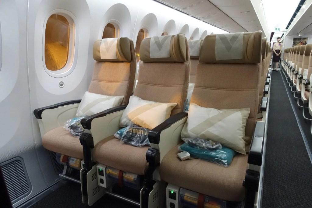 A Long Haul Bargain Etihad 787 9 Dreamliner Business Review