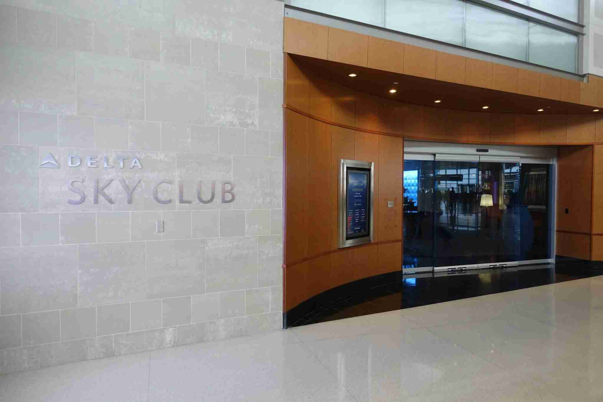 Detroit Main Sky Club in Concourse A