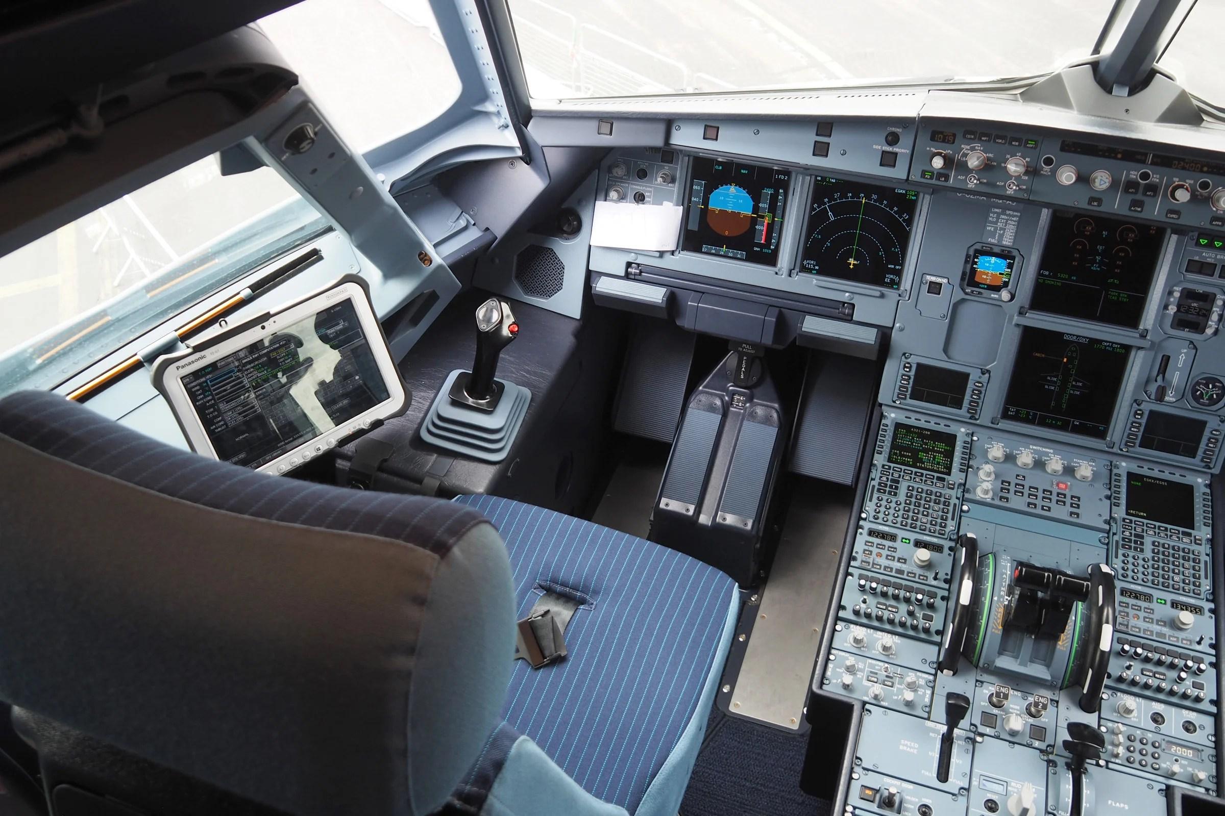 Passenger flies EasyJet plane after pilot goes missing