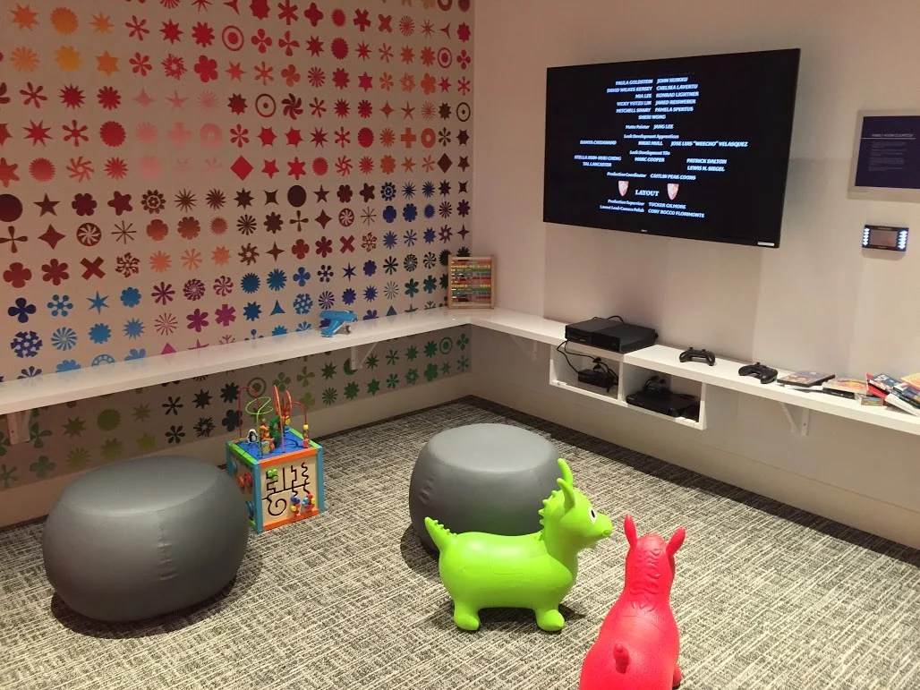 How to Get a Family of 4 or More Into an Amex Centurion Lounge