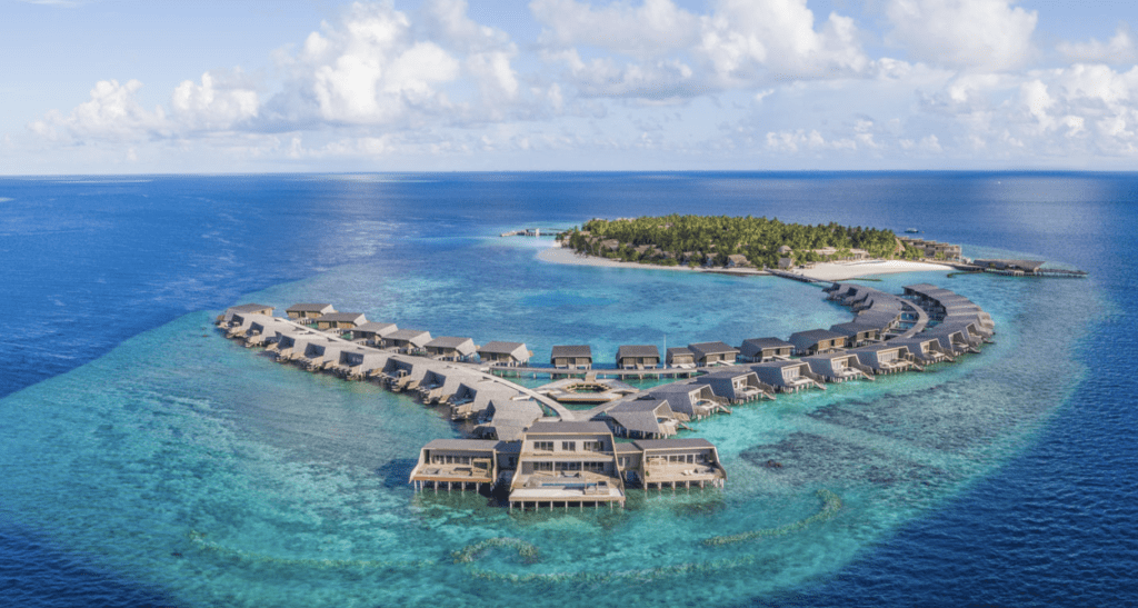 Where to Stay in the Maldives Using Points and Miles