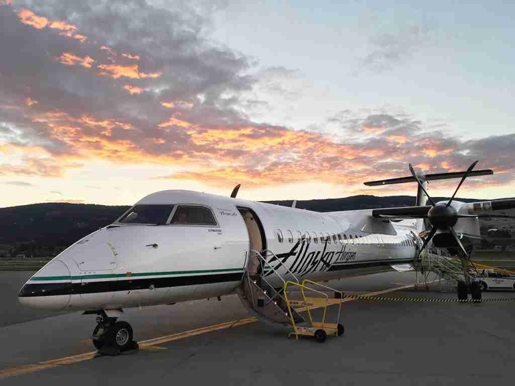 Alaska Airlines - Kelowna Airport Sunrise (Photo by Darren Murph / TPG)