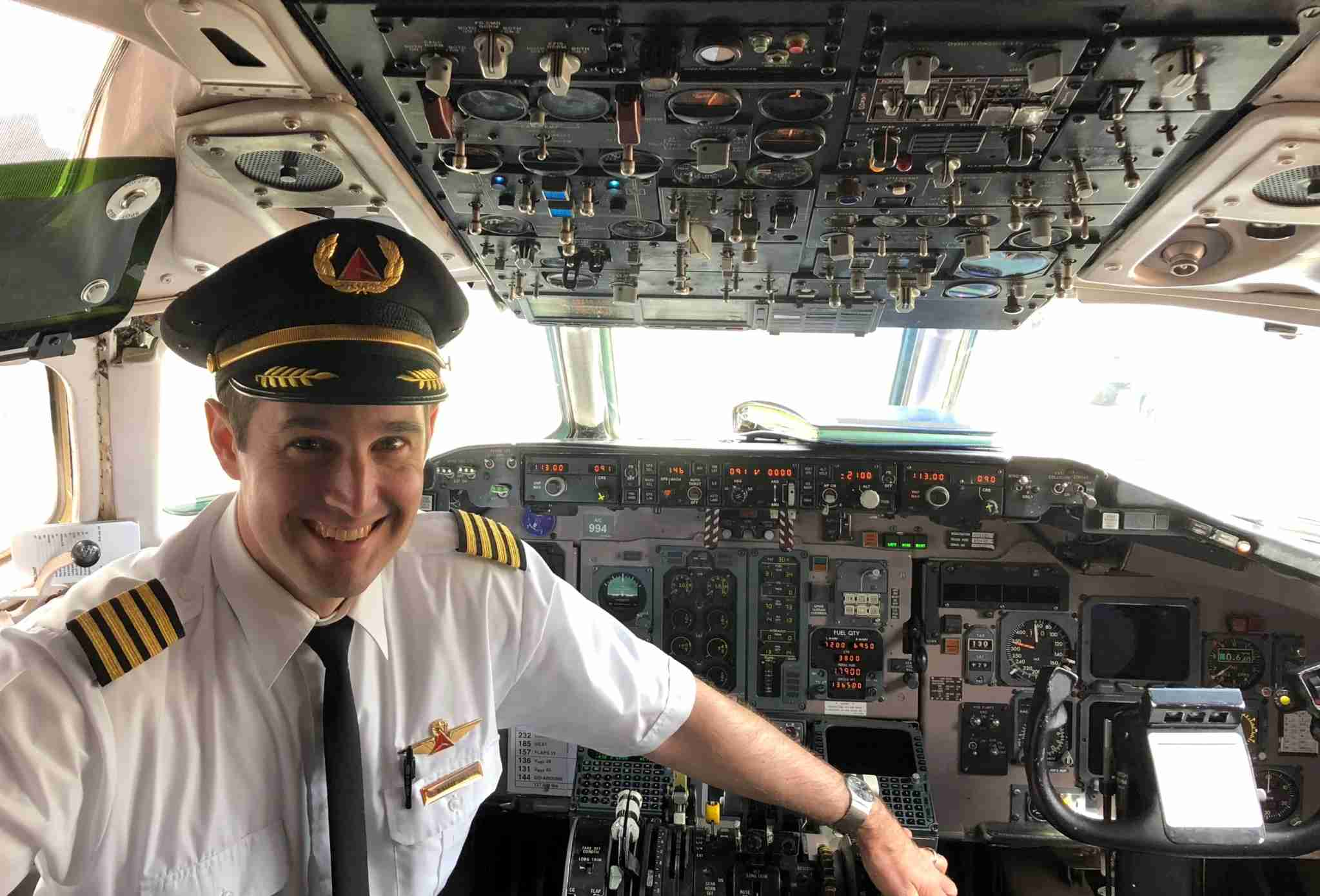 Captain Walter Judy on the flight deck of a Delta MD-88 (Image courtesy of Walter Judy)