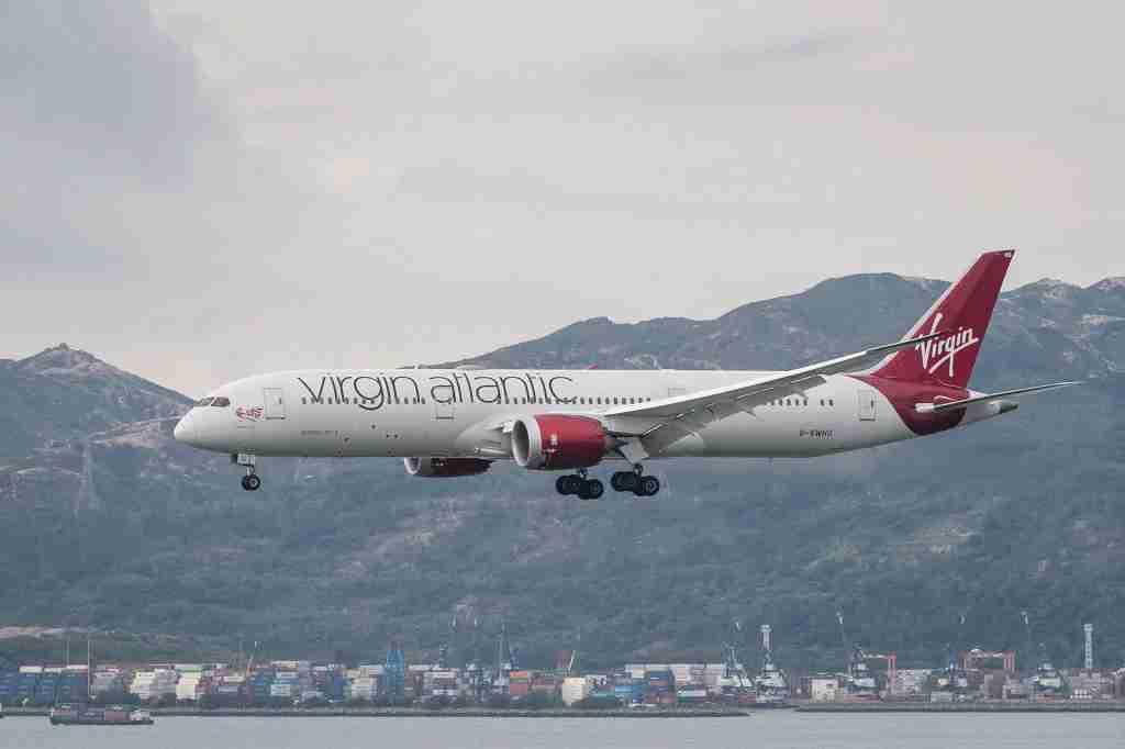 A Virgin Atlantic Boeing 787-9 lands at Hong Kong International Airport on Aug. 1 2018. (Photo by Marcio Rodrigo Machado/S3studio/Getty Images)