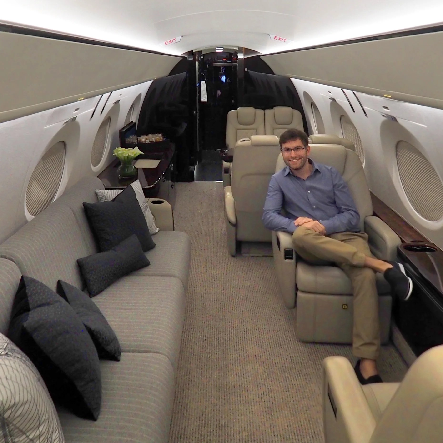 My Very First Flight on a Private Jet, Gulfstream's G500